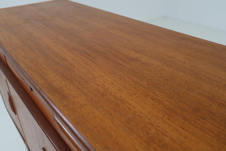 Victor Wilkins for G-Plan Teak and Afromosia Midcentury Credenza, England, 1960s For Sale 2