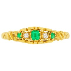 Victorian 0.21 Carat Emerald and Diamond Ring, circa 1880s