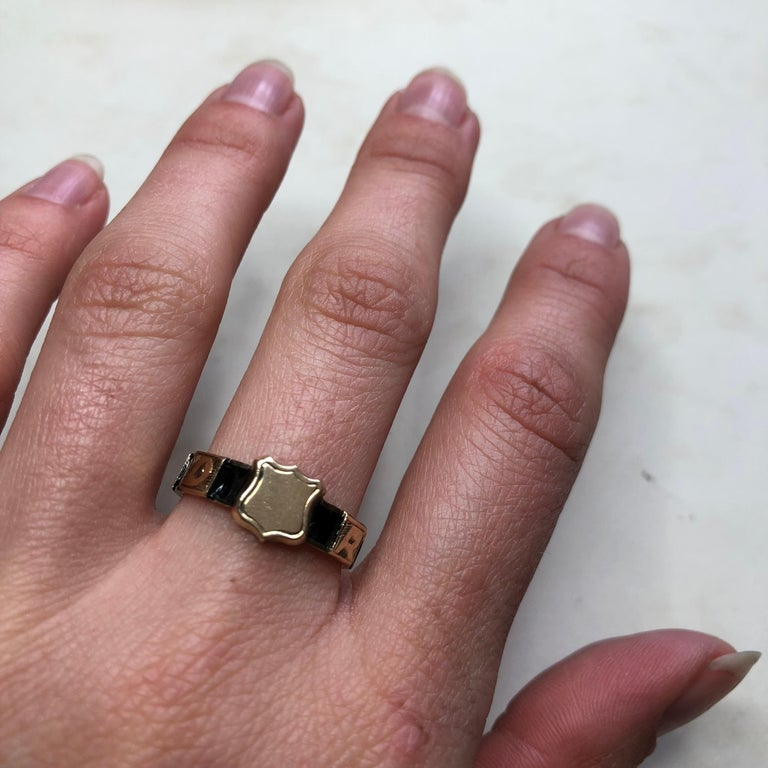 Victorian 10 Karat Gold and Black Enamel Regard Ring For Sale 5