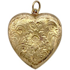 Victorian 14 Karat Gold Heart Locket Flowers Thistles Scrolls Engraving, USA