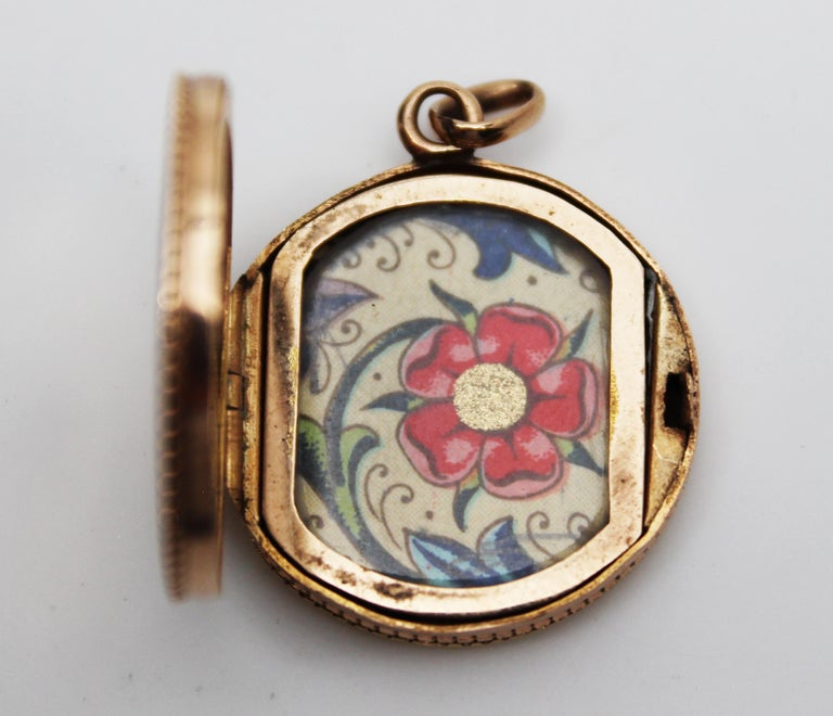 Women's or Men's Victorian 14 Karat Rose Gold Old Mine Cut Diamond Locket For Sale