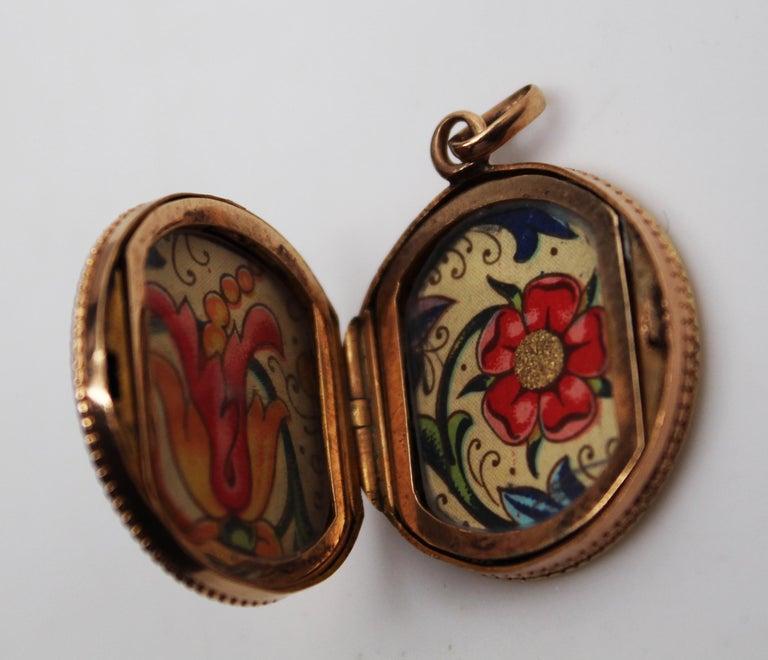 Victorian 14 Karat Rose Gold Old Mine Cut Diamond Locket For Sale 1