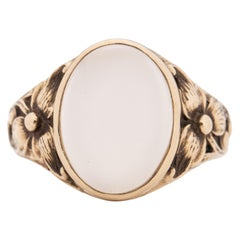 Victorian 14K Yellow Gold Floral Carved Moonstone Unisex Vintage Fashion Ring