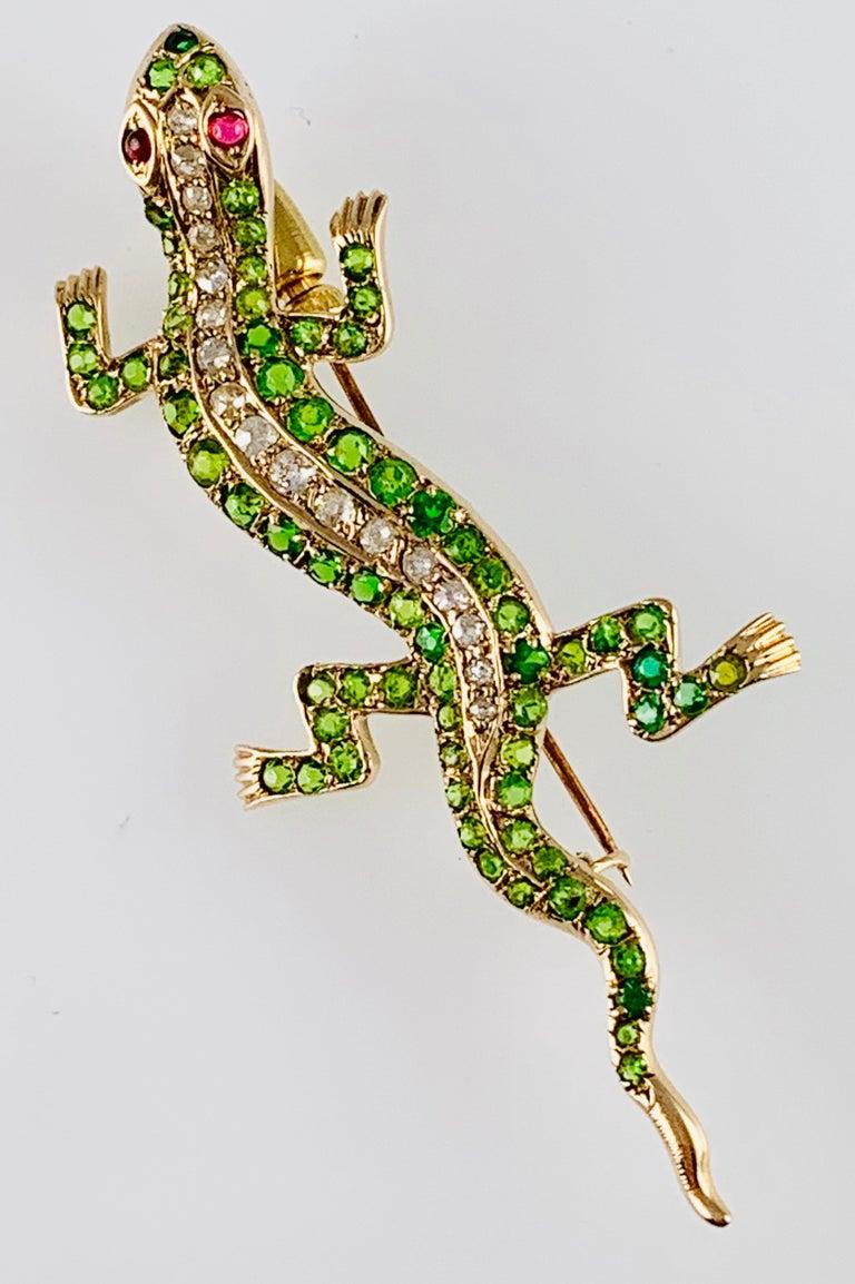 Old European Cut Victorian 14 Karat Yellow Gold Garnet Ruby and Diamond Lizard Brooch Pin For Sale