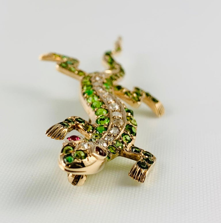 Victorian 14 Karat Yellow Gold Garnet Ruby and Diamond Lizard Brooch Pin In Excellent Condition For Sale In Birmingham, AL