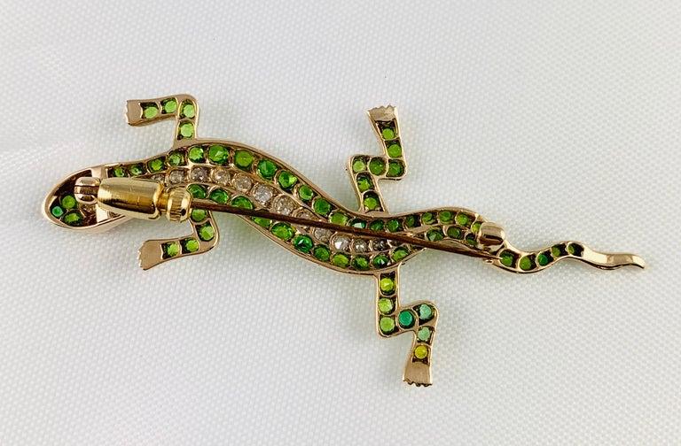 Victorian 14 Karat Yellow Gold Garnet Ruby and Diamond Lizard Brooch Pin For Sale 2