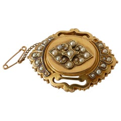 Victorian 15 Carat Yellow Gold Large Seed Pearl Brooch