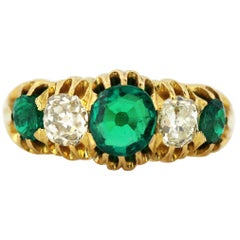 Victorian 15 Karat Gold Ladies Ring with Natural Colombian Emeralds and Diamond
