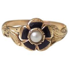 Victorian 15 Karat Gold Pearl Enamel Flower Ring
