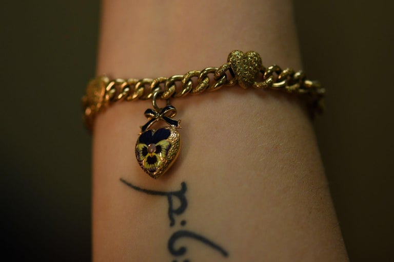 Victorian 15 Karat Yellow Gold & Enamel Pansy Bracelet For Sale 8