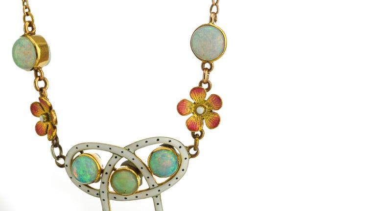 Oval Cut Art Nouveau 18 Karat Gold Opal Necklace, circa 1870s For Sale