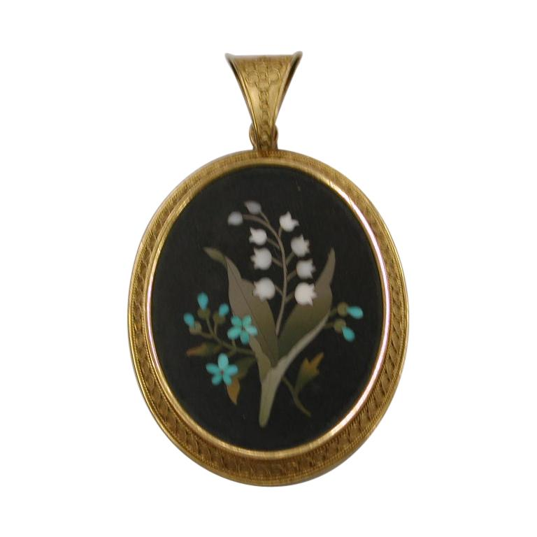 Victorian 18 Carat Etruscian Bordered Pietra Dura Pendant, Dated circa 1860 For Sale