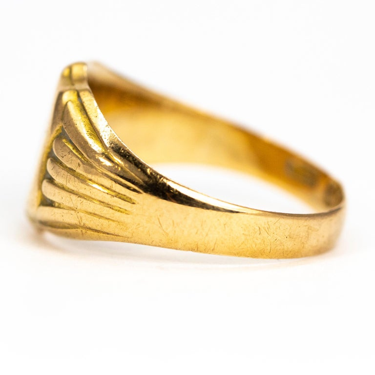 Victorian 18 Carat Gold Signet Ring In Good Condition For Sale In Chipping Campden, GB
