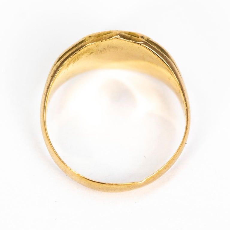 Victorian 18 Carat Gold Signet Ring For Sale 1