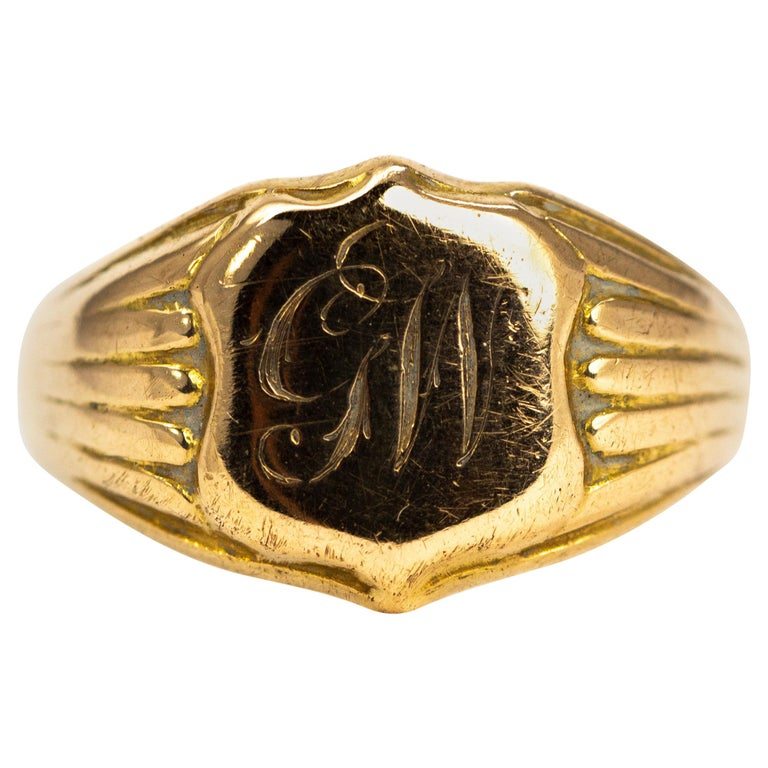 Victorian 18 Carat Gold Signet Ring For Sale