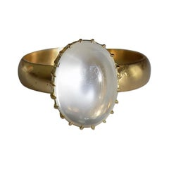 Victorian 18 Karat Gold Moonstone Cabochon Solitaire Ring