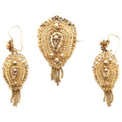 Antique Demi-Parure 14 Karat Gold Filigree Earrings and Brooch
