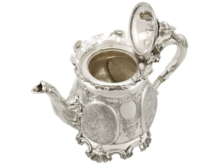 Victorian 19th Century English Sterling Silver Teapot For Sale 1