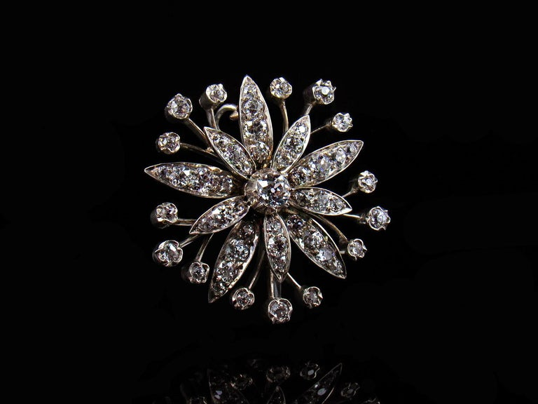 Victorian 2.5-Carat Diamond and Gold Flower Pendant In Good Condition For Sale In Dallington, East Sussex