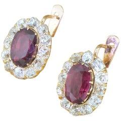 Viktorianischer 2,91 Karat Rubin & 2,18 Karat Klassischer Altschliff Diamant 18 Karat Gold Cluster Ohrringe