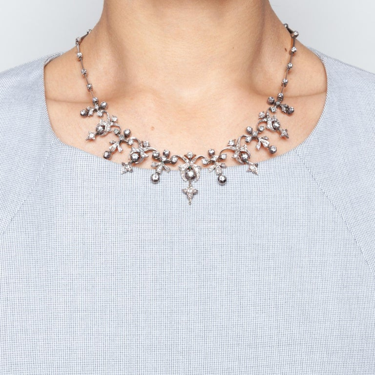 Victorian 3.32 Carat Diamond and 14 Karat Gold Silver Necklace, circa 1880 For Sale 1