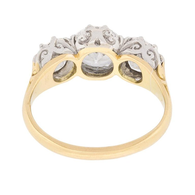Women's or Men's Victorian 3.80 Carat Three Stone Old Cut Diamond Ring c.1880s For Sale