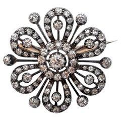 Victorian 4.5 Carat Diamonds 14 Karat Gold Brooch