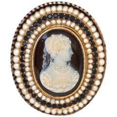 Victorian Agate Pearl Garnet Yellow Gold Cameo Brooch