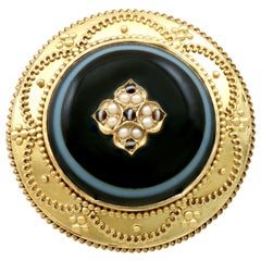 Victorian Agate Pearl Yellow Gold Brooch or Locket