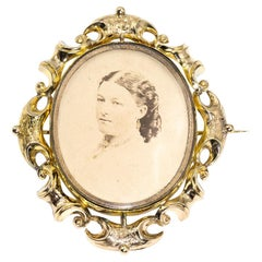 Victorian Antique 19th Century Mourning 9 Carat Gold Mourning Brooch