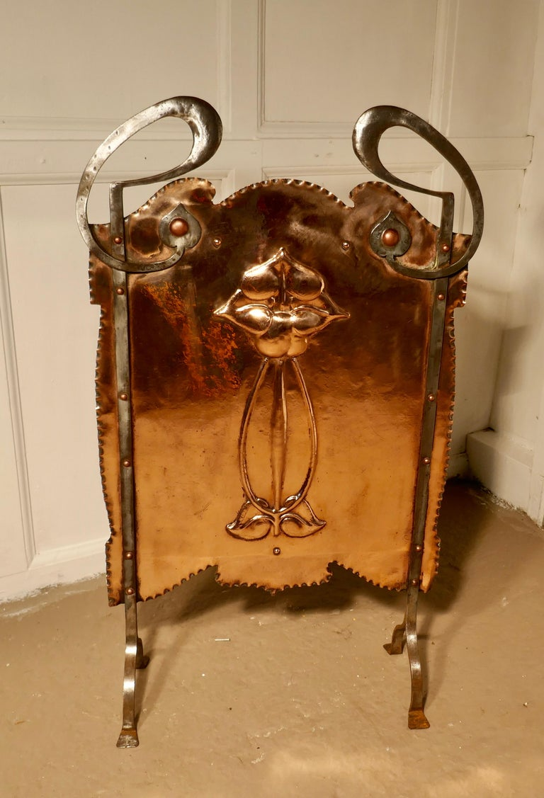 Victorian Art Nouveau Copper and Polished Steel Fire Screen For Sale 1