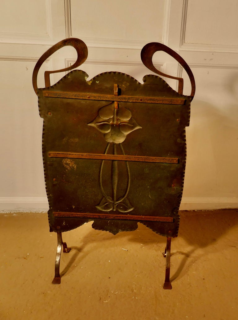 Victorian Art Nouveau Copper and Polished Steel Fire Screen For Sale 5
