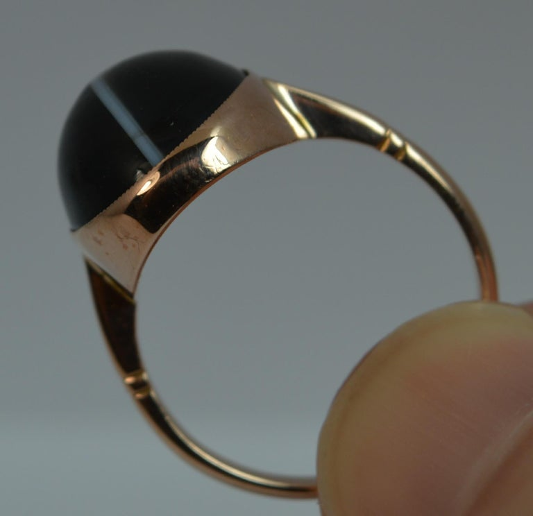 Victorian Banded Agate and 9 Carat Rose Gold Solitaire Ring For Sale 1