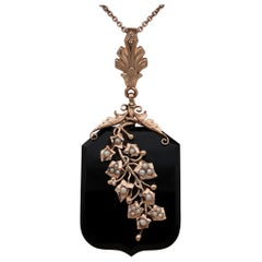 Victorian Black Onyx Natural Pearls 18 Karat Rose Gold Locket