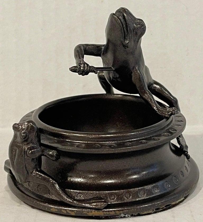Victorian Bronze Operatic Frog Motif Vide-Poche For Sale 6