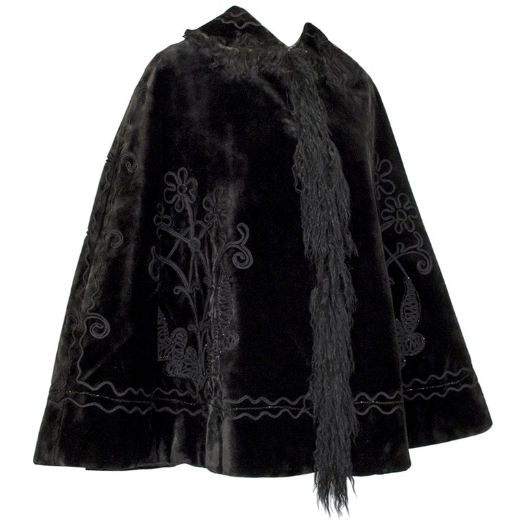 Victorian Brown Mohair and Mongolian Lamb Beaded Shoulder Cape - One Size, 1890s For Sale