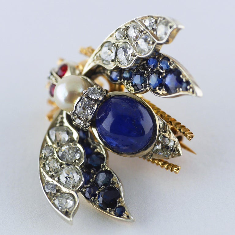 Victorian Burma Sapphire 4.60ct Certificated Untreated, Pearl, Ruby Bee/Insect/B For Sale 2