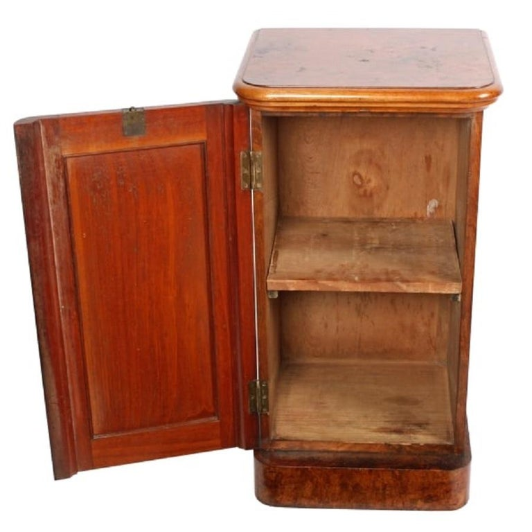 Victorian Burr Walnut Bedside Cabinet, 19th Century In Good Condition For Sale In London, GB