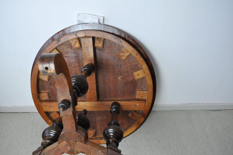 Victorian Burr Walnut, Mahogany and Ebony Circular Centre Table For Sale 14