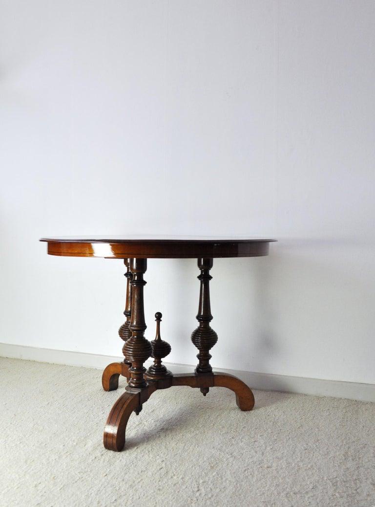 Victorian Burr Walnut, Mahogany and Ebony Circular Centre Table In Good Condition For Sale In Vordingborg, DK