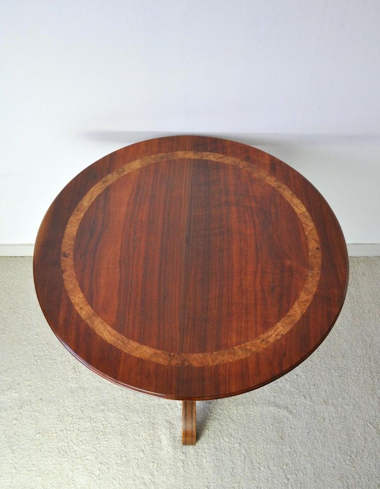 19th Century Victorian Burr Walnut, Mahogany and Ebony Circular Centre Table For Sale