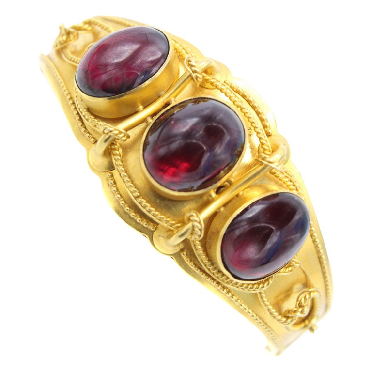 Victorian Cabochon Garnet Gold Bangle Bracelet For Sale