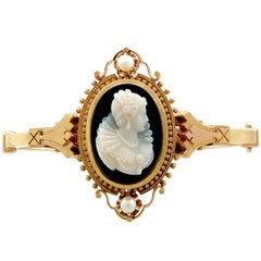 Victorian Cameo Bangle Bracelet with Pearls in Yellow Gold