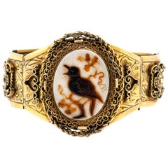 Victorian Cameo Bird Detailed Gold Bracelet