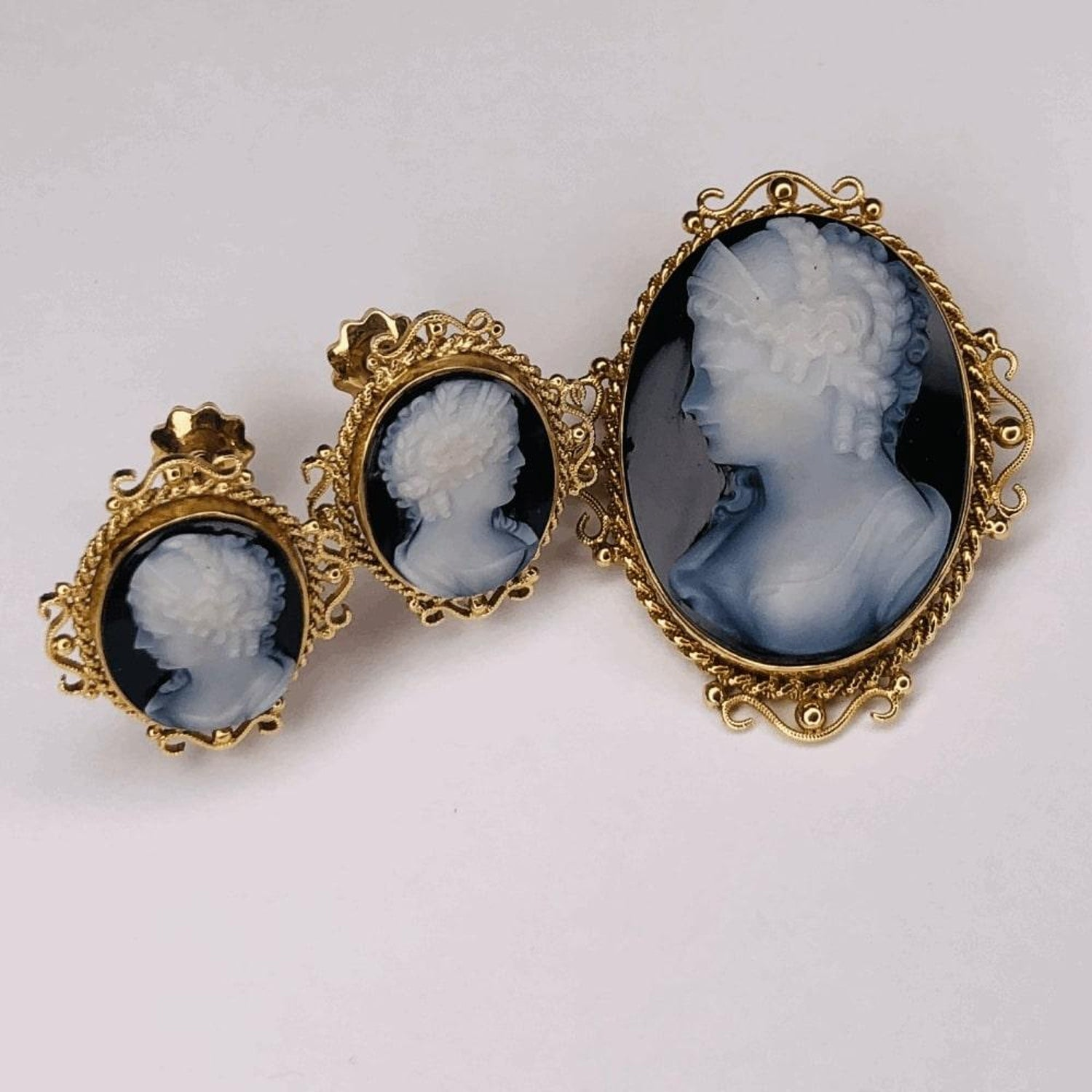 9b89f9f8e Victorian Carved Onyx Cameo Gold Brooch Pendant and Earrings Fine Estate  Jewelry For Sale at 1stdibs