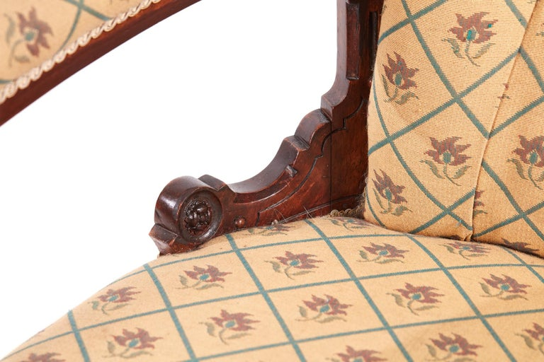 Victorian Carved Walnut Turned Leg Armchair In Excellent Condition For Sale In Norwich, GB