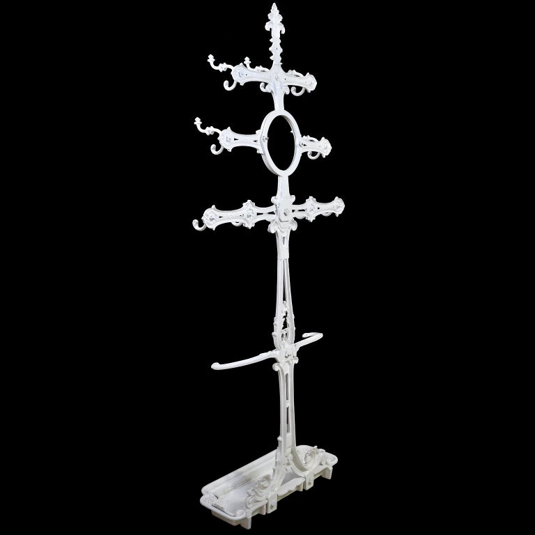 Victorian Cast Iron Coat or Hat Rack with Umbrella Stand, circa 1870 In Good Condition For Sale In Miami, FL
