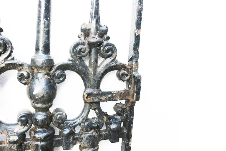 Victorian Cast Iron Pedestrian Gate In Fair Condition For Sale In Wormelow, Herefordshire
