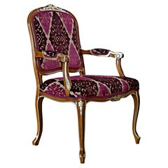 Victorian Chair with Armrests in Walnut Finish and Pink Upholstered Seating