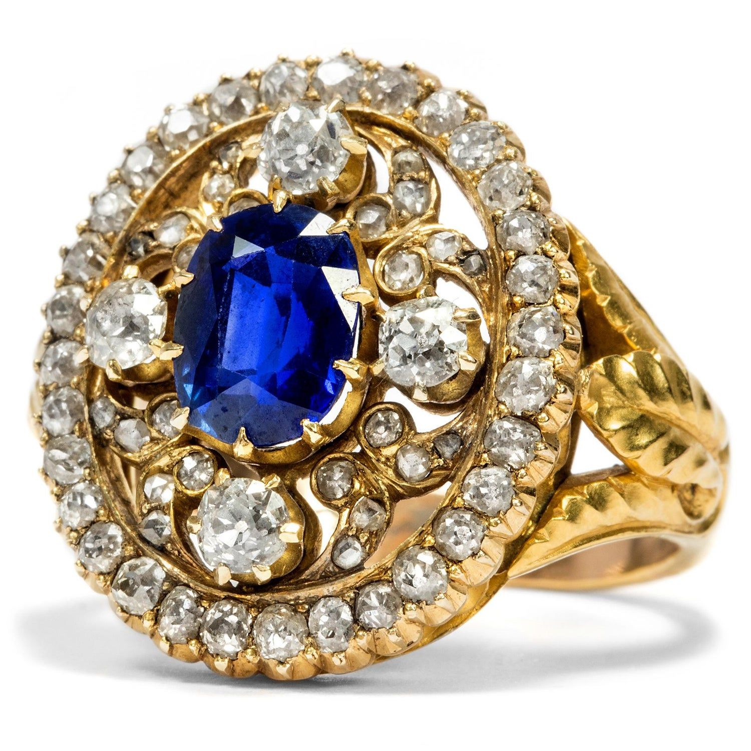 1960s onwards Natural Burmese Sapphire /& natural White Sapphire solitaire ring in gold